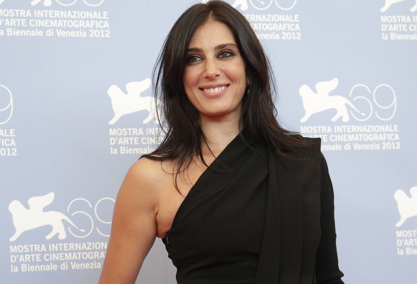The 44-year old daughter of father Antoine Labaki and mother Antoinette Labaki Nadine Labaki in 2018 photo. Nadine Labaki earned a  million dollar salary - leaving the net worth at 8 million in 2018