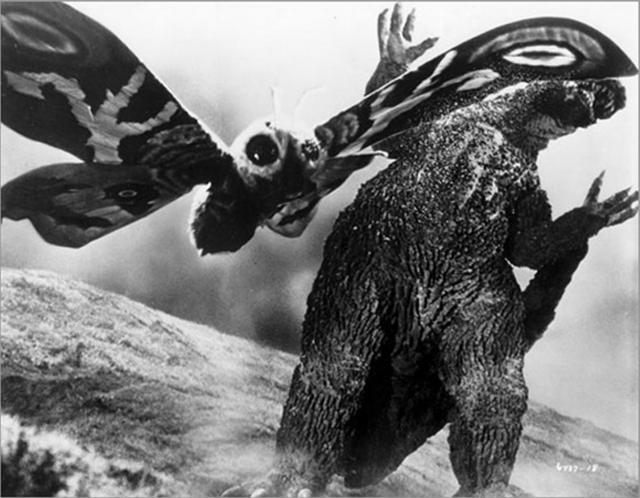 Mothra vs Godzilla - Image 1