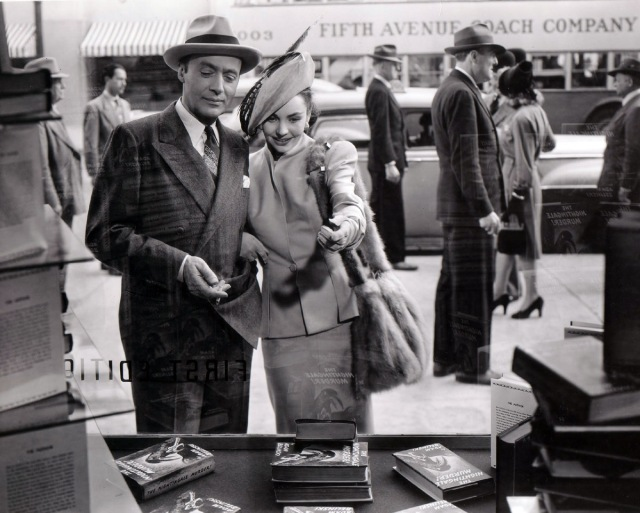 Jennifer Jones e Charles Boyer - Cluny Brown - screenshot 14