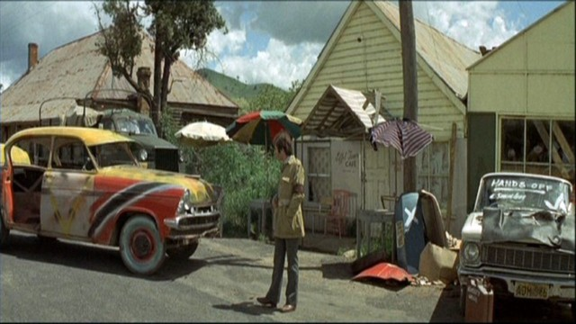 The Cars That Ate Paris - screenshot 5