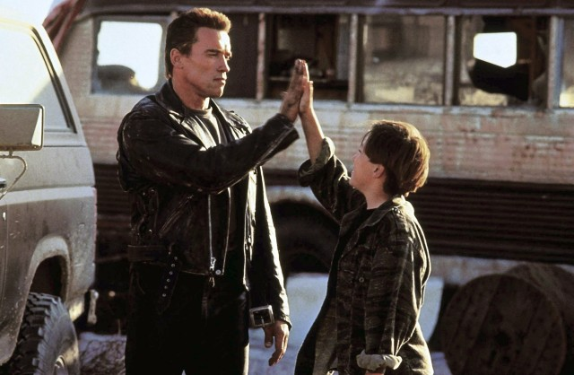 TERMINATOR 2: JUDGMENT DAY, Arnold Schwarzenegger, Edward Furlong, 1991, ©TriStar Pictures/courtesy Everett Collection